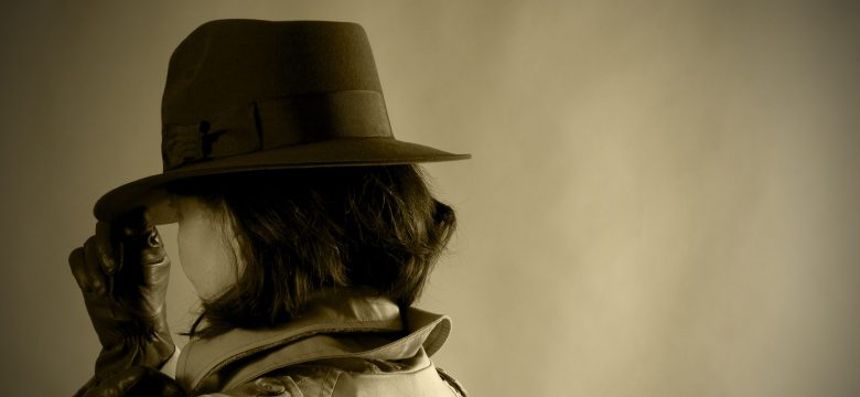 Woman in Indiana Jones style hat